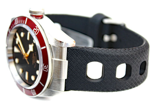 22mm 'Grand Prix' Textured Silicon Rubber Watchstrap For Tudor Black Bay Watch
