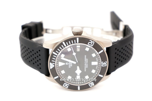 ilmor 22mm Silicon Rubber Divers Watchstrap on Stainless Steel Deployment For Tudor Black Bay