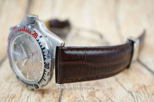 Vostok Amphibian Crocodile Oval Grain Leather Watch Strap on Deployment Clasp