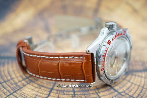 Vostok Amphibian Brown Alligator Padded Leather Watch Strap Butterfly Development Clasp
